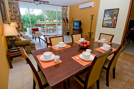 Dining area seats 6 in RR 7160 at Residencias Reef vacation rental condo
