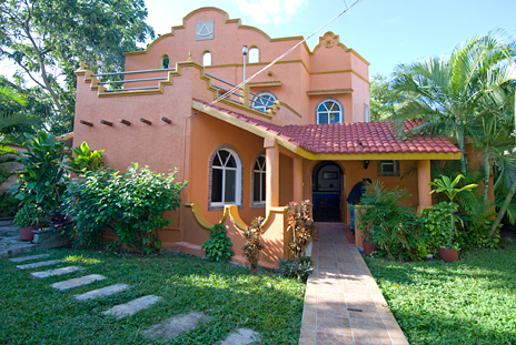 Front view of Hacienda Sombrero 4 BR vacation rental villa in Cozumel