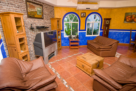 Living area of Hacienda Sombrero 4 BR vacation rental villa in Cozumel