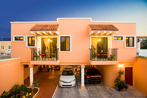 Front of Tres Palmas vacation rental villa in Cozumel